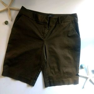 Chic by Jacab shorts size8